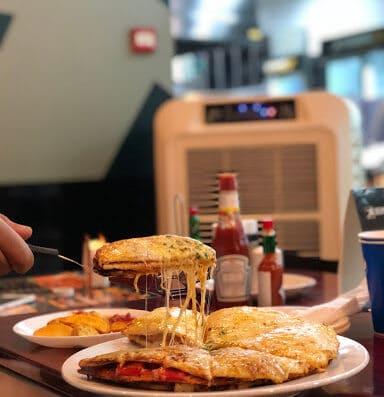 Debonairs Pizza | JLT