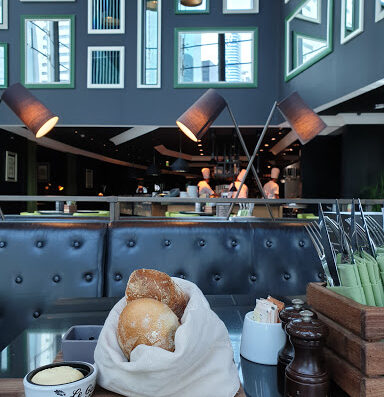 La Farine Café & Bakery