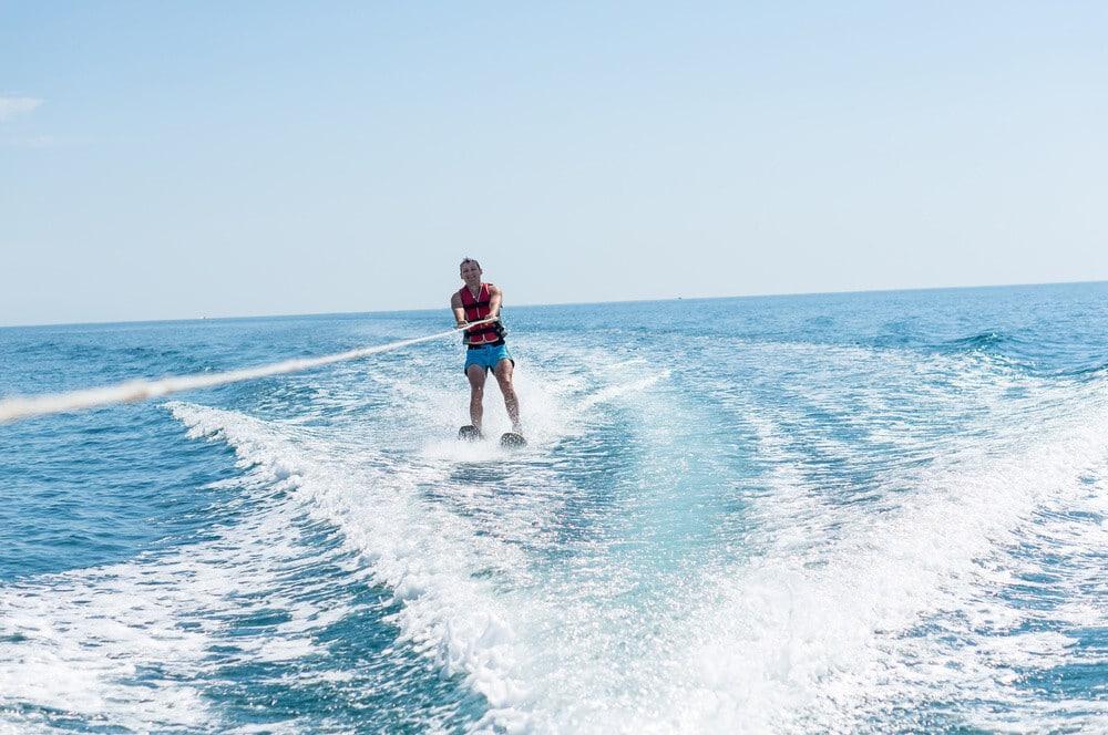 outdoor activities in dubai Wakeboarding